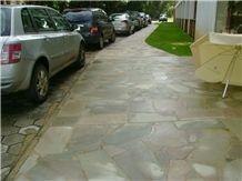 Caco Verde Irregular Flagstone Walkway