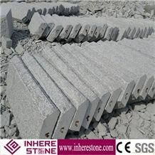 China Granite Light Grey G602 Granite Garden Kerbstone for Paving Stone Stairs and Steps Ground Outdoor with Flamed Polished Natural Face Many Flowers