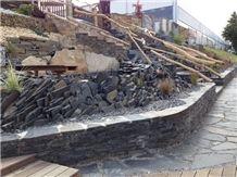 Jivova Bridlice Garden Wall, Steps