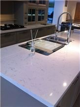 Artificial / Engineered Quartz Stone Slab Polished Surfaces for Kitchen Tops Countertops Islands Manmade from Guangdong China in Custom Sizes and Edge Profile