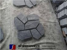 China Black Slate Flagstone Mats on Mesh