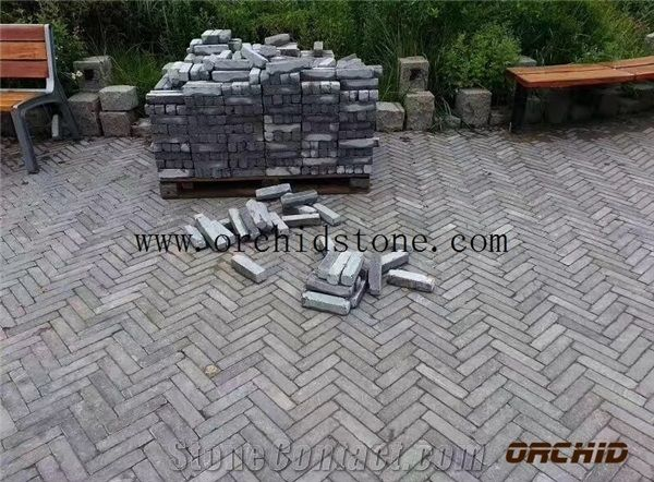 Tumbled Grey Limestone PaversCobble StoneCubes StoneHoned Bluestone Flooring BrickAntique Wall Cladding BrickFlamed Driveway Paving StonePatio