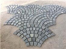 Black and Dark Grey Slate Limestone Paver Tile Fish Shape Mosaic Tile Paving Stone Mosaic Fan Shape Mosaic Pave Mesh Cultured Stone with Back Mesh