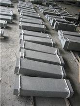 G654 China Granite Kerbstones Flamed Hot Sales