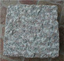 G696 China Granite Chiselled Cube Stone
