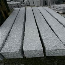 Bianco Crystal Granite G603 Granite,Road Stone,Kerbstone for Landscape,Palisade,Chinese Cheap Light Grey Curbstone,Pineappled,Natural Split,Pillars