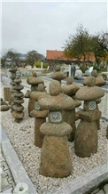 Natural Stone Decoration Lantern in Garden