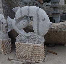 China Manufacture Padang Dark Grey Granite G654 Fish Animal Carving