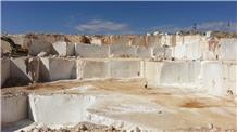 Akdag Creamsa- Creamsa Fossil Marble Blocks