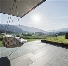 /products-703405/pietra-calanca-light-gneiss-tiles