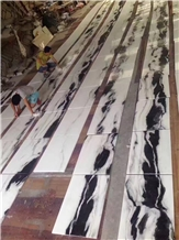 Layout Luxury Panda White Marble Flooring Tile
