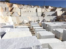 Infinito White Marble Blocks