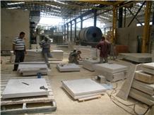 Jerusalem Grey Gold - Ramon Grey Limestone Tiles