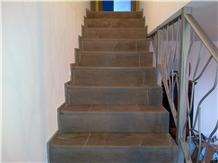 Stair in Grigio Oriente Limestone