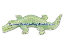 /products-725443/onyx-crocodile-alligator-animal-artifacts