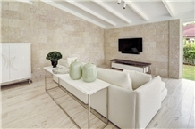 Colonial Coral Stone Saw Cut Wall Application