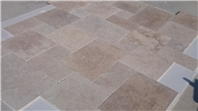 Tuscany Blend Travertine Tile 3 cm Tumbled Pattern