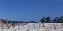 Moca Creme Imperial Limestone Blocks