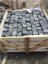 Absolue Black Basalt 10x10x10cm Split Paving Setts
