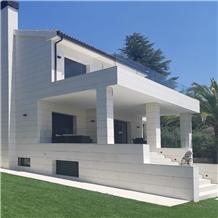 Marbella Blanca Limestone Wall Application