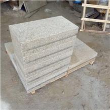 Chinese Yellow Rusty G682 Granite Curbstone
