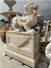 Yellow Granite Pi Xiu Carving Memorial Park Statue