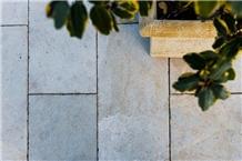 Abadia Rosal Limestone Terrace Pavers