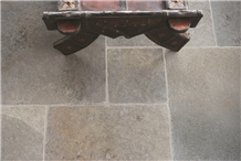 Derwent Hc Grey Multi Brushed Limestone Tiles