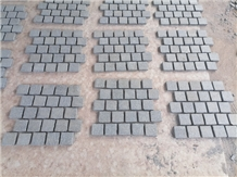G654 Grey Mesh Backed Cobblestone Pavers