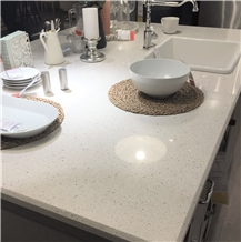 Vietnam Engineered Stone Quartz Countertop Grain White