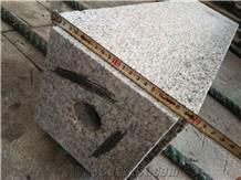 Outdoor G623 Gray Granite Square Pillars for Garden Use