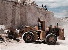 /quarries-4499/onyx-red-quarry-rojo-vulkano-onyx