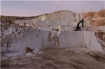 /picture201511/Quarry/201610/109829/soylu-marble-perlato-royal-marble-quarry-quarry1-4558B.JPG