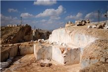 /picture201511/Quarry/201612/132575/kaomarble-four-seasons-marble-quarry-quarry1-4468B.JPG