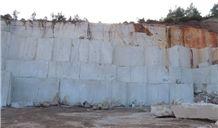 /picture201511/Quarry/20171/135264/crema-nova-marble-quarry-quarry1-4671B.JPG
