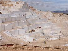 /picture201511/Quarry/20172/137857/burdur-beige-marble-quarry-quarry1-4722B.JPG