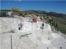 /picture201511/Quarry/20172/30120/idaho-travertine-quarry-quarry1-4741B.JPG