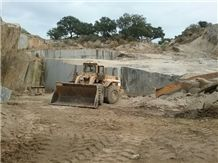 /picture201511/Quarry/20172/93209/azul-platino-granite-quarry-quarry1-4706B.JPG