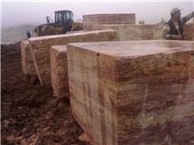 /picture201511/Quarry/20174/139855/bahar-gala-gold-and-gala-red-travertine-quarry-quarry1-4853B.JPG