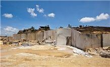 /picture201511/Quarry/20174/15919/rojo-multicolor-quarry-red-multicolor-multicolor-guayana-multicolor-bolivar-granite-quarry1-4845B.JPG