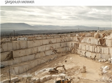 /picture201511/Quarry/201808/151504/lappis-marble-lapis-beige-quarry-quarry1-5491B.JPG
