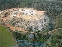 /picture201511/Quarry/201810/153104/key-west-gold-granite-quarry-quarry1-5675B.JPG