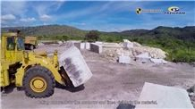 /picture201511/Quarry/201810/61897/infinity-white-quartzite-quarry-quarry1-5641B.JPG