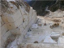 /picture201511/Quarry/201811/153460/calacatta-caldia-marble-rocchetta-quarry-quarry1-5706B.JPG
