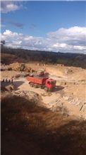 /picture201511/Quarry/201811/153601/pedra-golden-imperial-quarry-quarry1-5716B.JPG