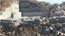/picture201511/Quarry/201812/144701/river-black-granite-royal-ballet-granite-nero-fantasy-granite-quarry-quarry1-5854B.JPG