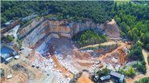 /picture201511/Quarry/201812/154623/italian-classic-beige-marble-botticino-classico-quarry-quarry1-5869B.JPG