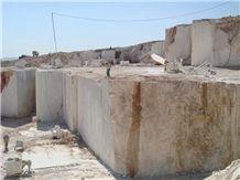 /picture201511/Quarry/20188/56401/akdag-beige-marble-quarry-quarry1-5538B.JPG