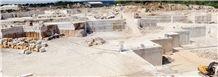/picture201511/Quarry/201906/20791/travertino-romano-classico-fosse-bernini-quarry-quarry1-2176B.JPG