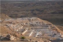 /picture201511/Quarry/20191/118191/sohar-marble-oman-beige-marble-quarry-quarry1-5923B.JPG